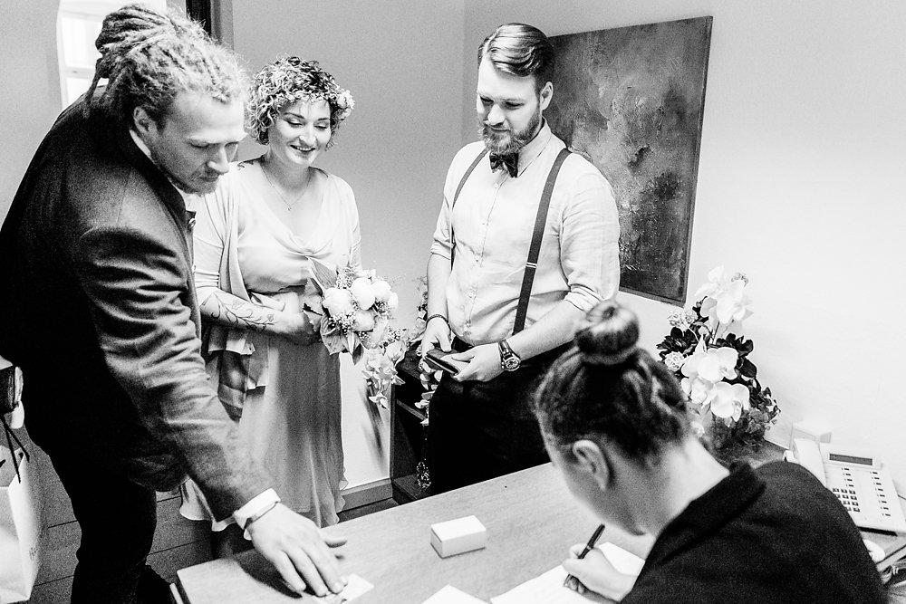 standesamtlich-Hochzeit-wurzburg-im-gruenen-29.jpg