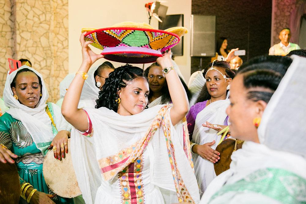 farbenfrohe-eritreische-Hochzeit-Fotografie-Bochum-Koln-45.jpg