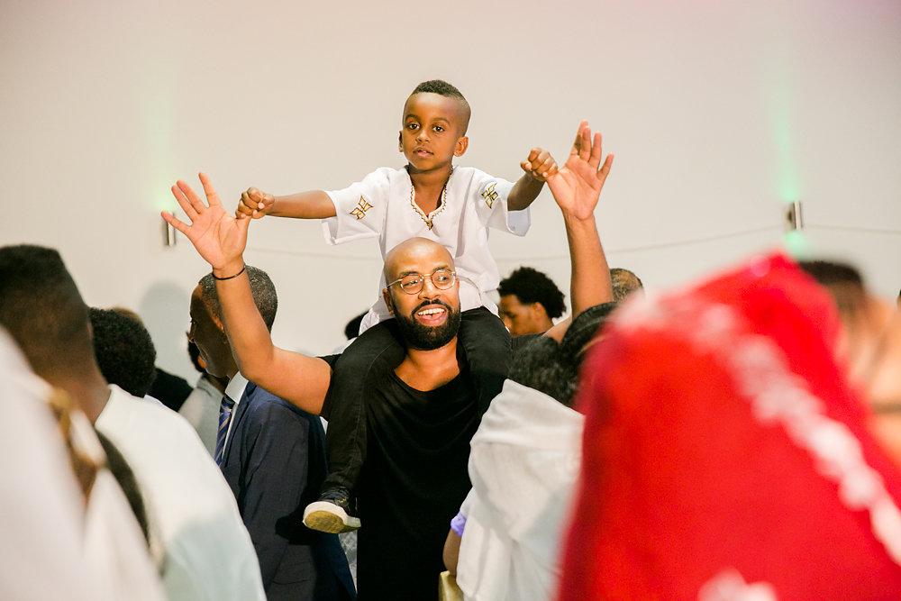 farbenfrohe-eritreische-Hochzeit-Fotografie-Bochum-Koln-63.jpg