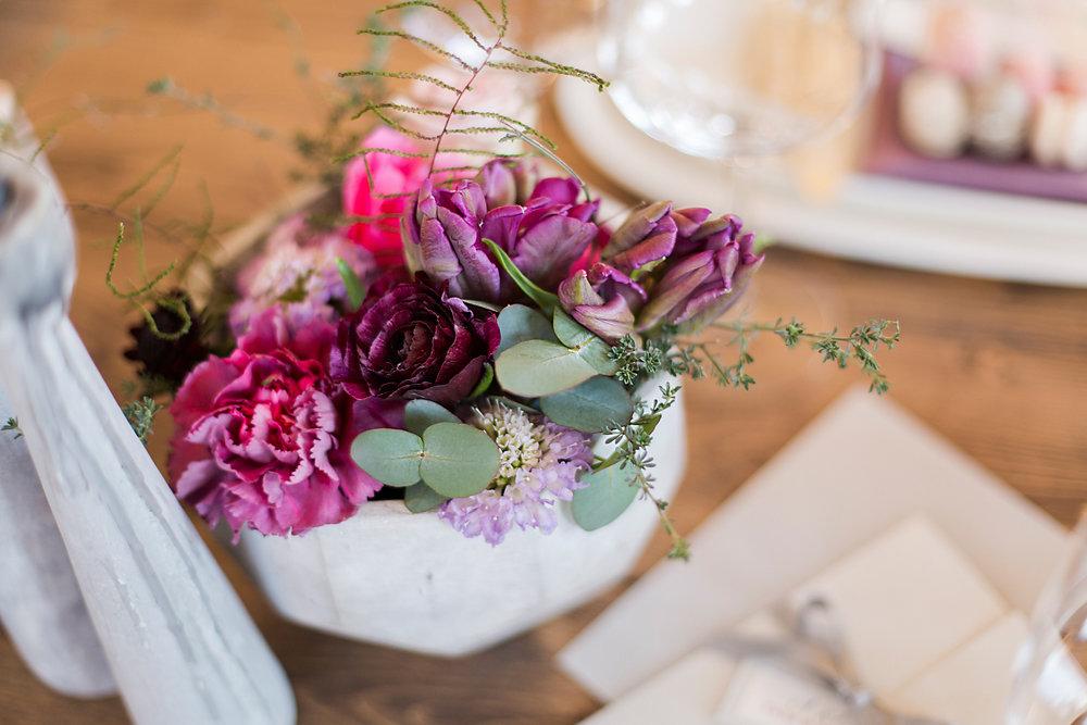 Hochzeitsinspiration-in-violett-duesseldorf-003.jpg