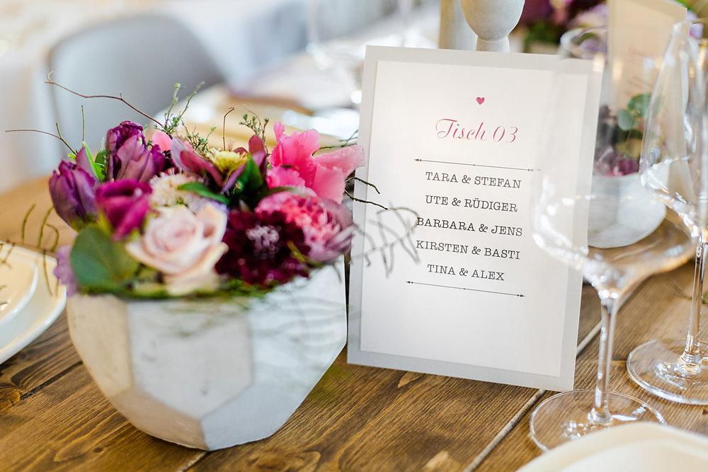 Hochzeitsinspiration-in-violett-duesseldorf-007.jpg