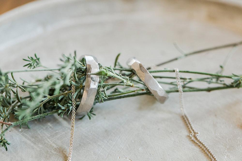 Hochzeitsinspiration-in-violett-duesseldorf-017.jpg