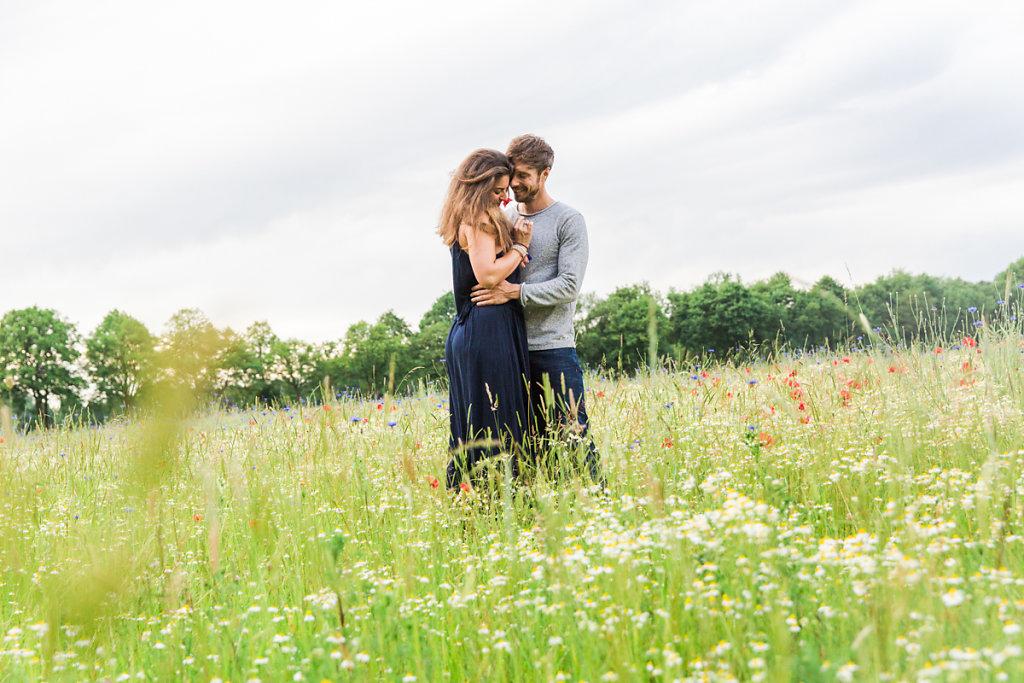 mh-hochzeitsfotografie-verlobung-im-gruenen-botropp-12.jpg