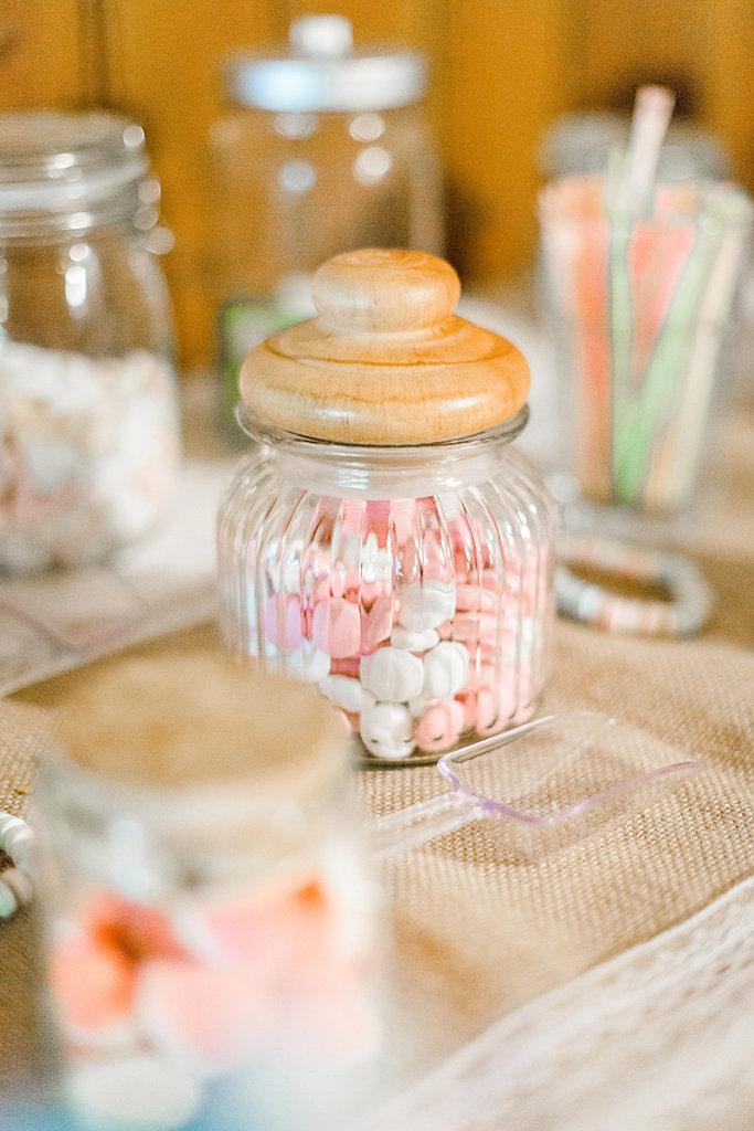 Melanie-Graas-Hochzeitsfotografie-Mitten-Im-Pott-Boho-DIY-Bottrop-Blumenkranz-28.jpg