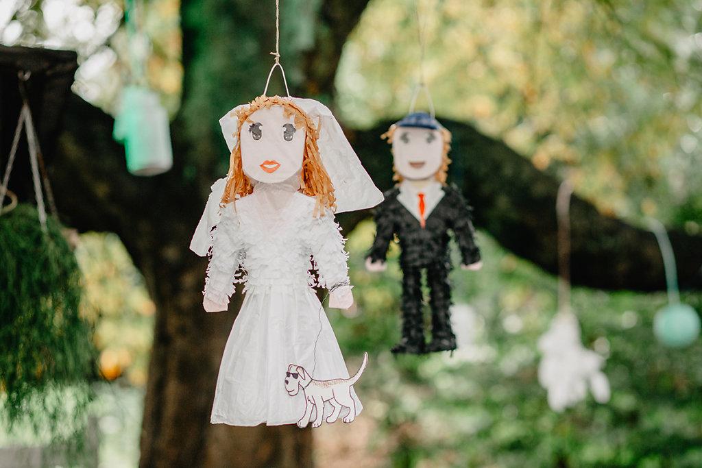 Melanie-Graas-Hochzeitsfotografie-Mitten-Im-Pott-Boho-DIY-Bottrop-Blumenkranz-40.jpg