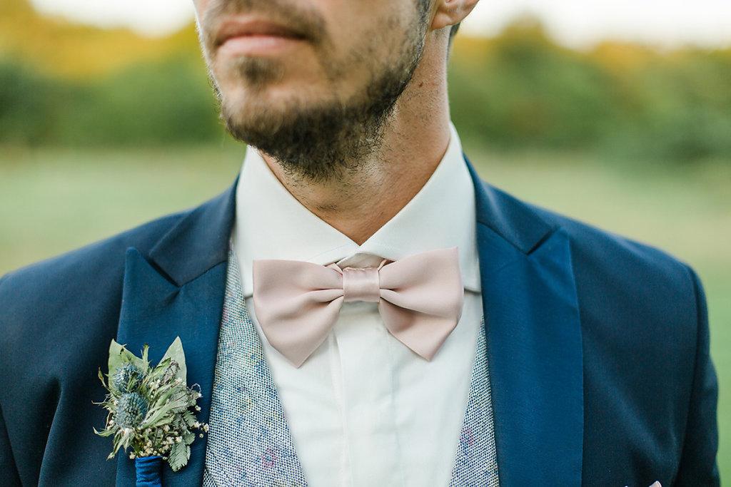 Melanie-Graas-Hochzeitsfotografie-Mitten-Im-Pott-Boho-DIY-Bottrop-Blumenkranz-107.jpg